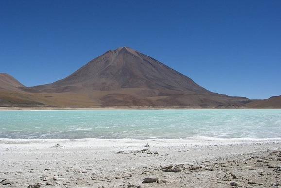 Uyuni landscape on Best of Bolivia custom tour